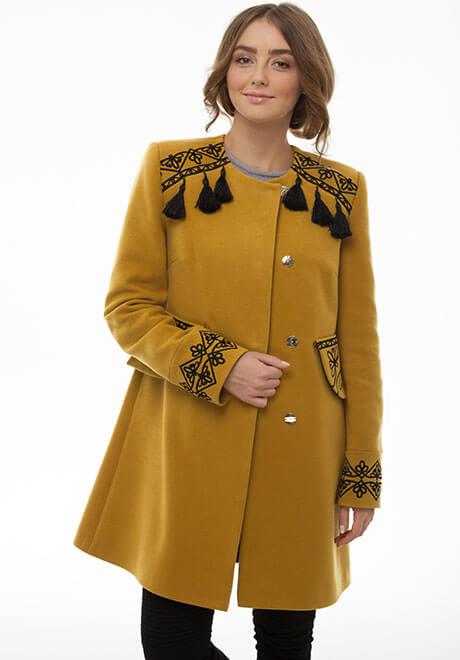 Верхній одяг з вишивкою