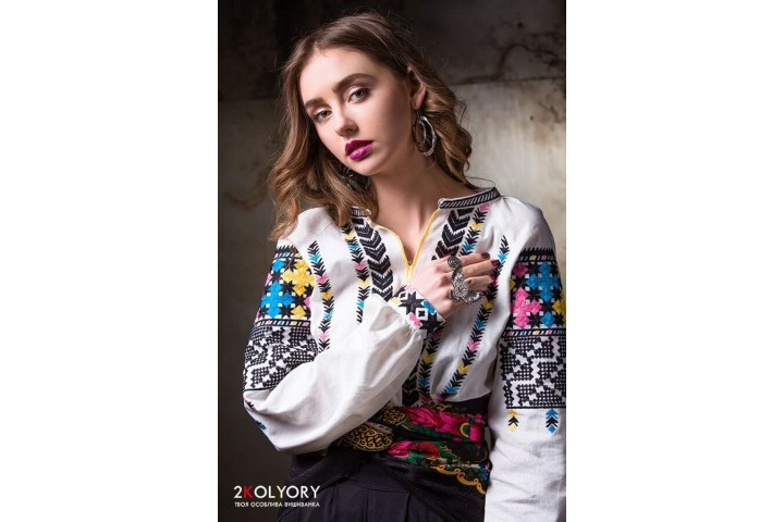 Traditional Ukrainian clothes in the USA