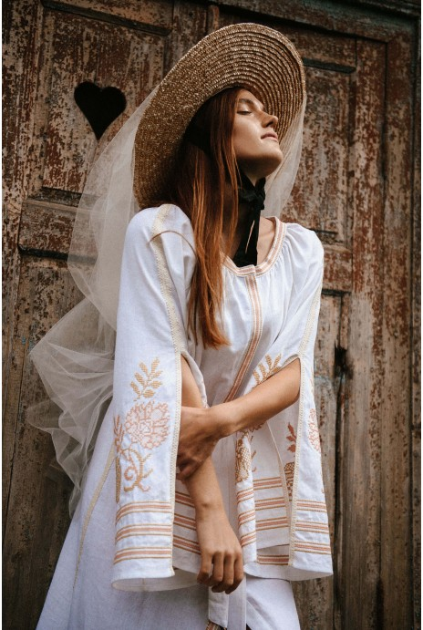 Dress embroidered Knyajna