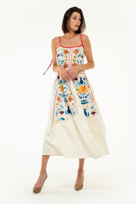 Вышитое платье Турия