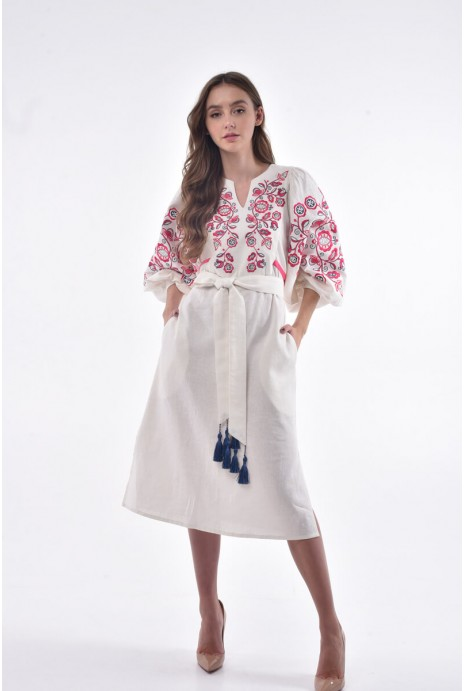 "Embroidered dress ""Znahidka"" milky"