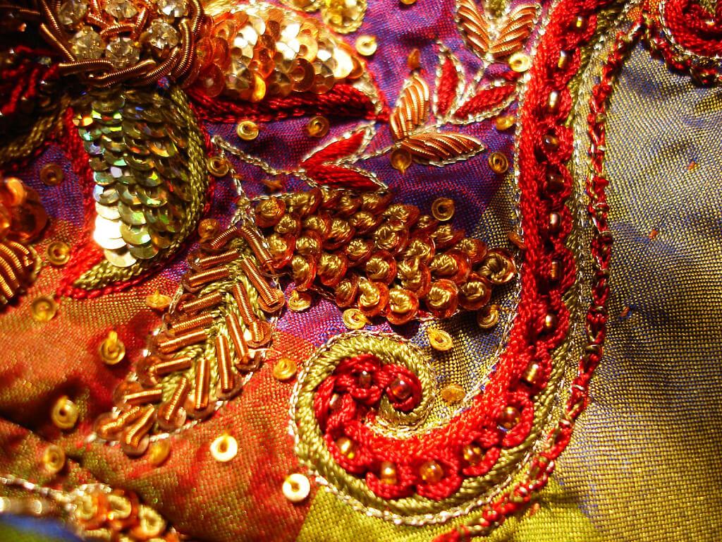 Вышиванка в Индийском стиле