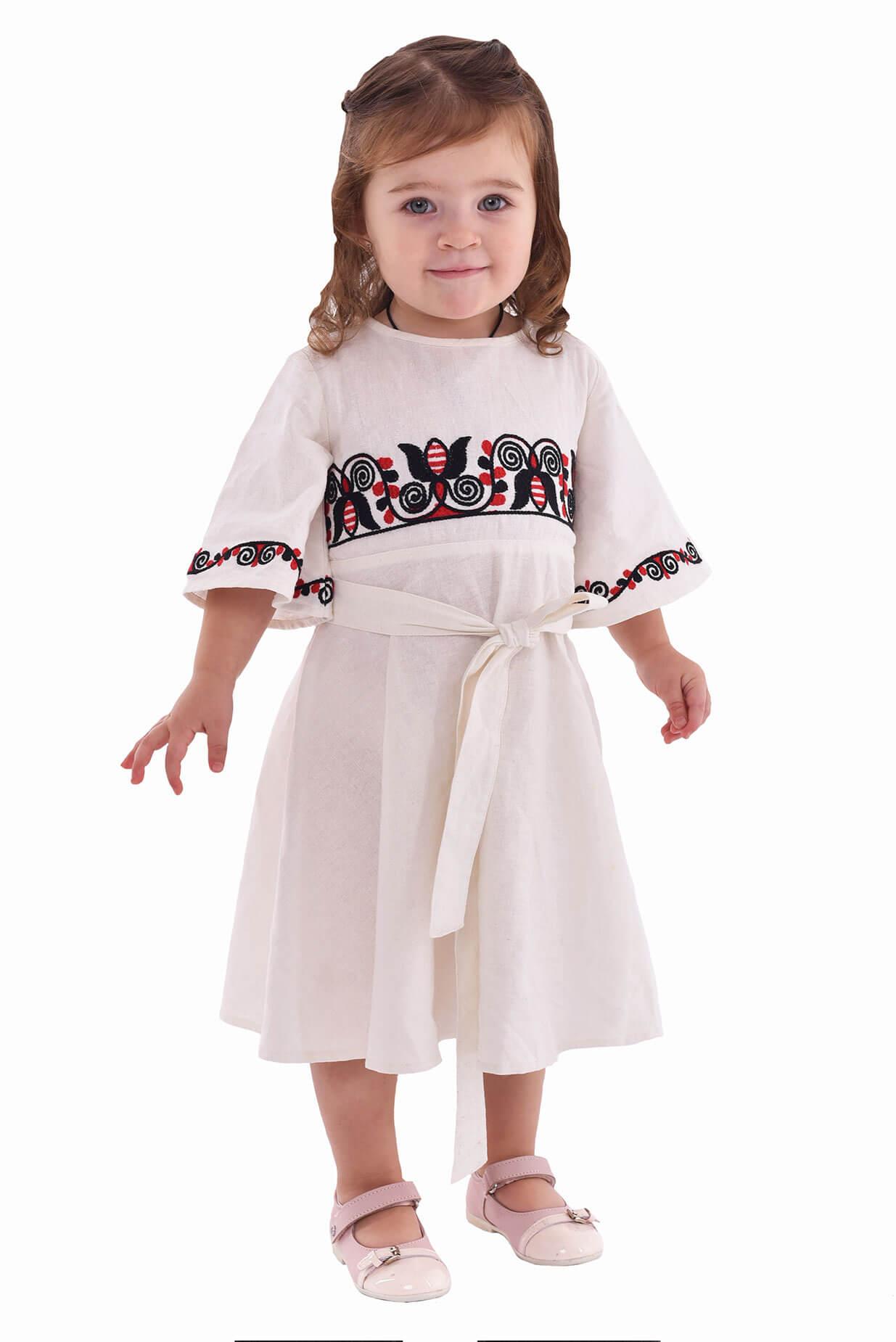 488e897e4e60c4 Вишита сукня для дівчинки