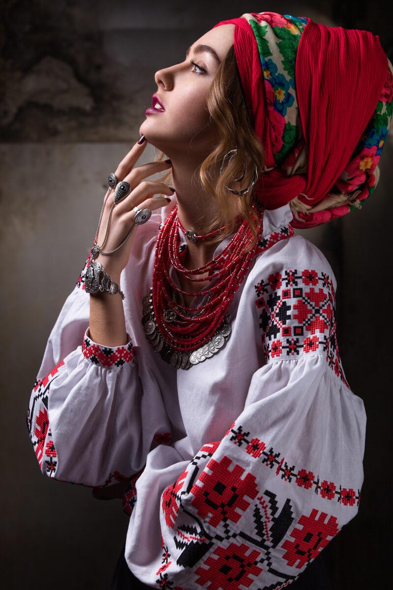 """Вишиванка жіноча """"Квіти зорі"""" - 2KOLYORY"""