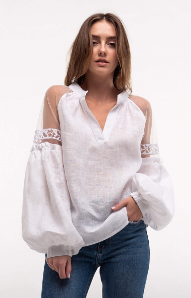 Blouse embroidered Serpanok white